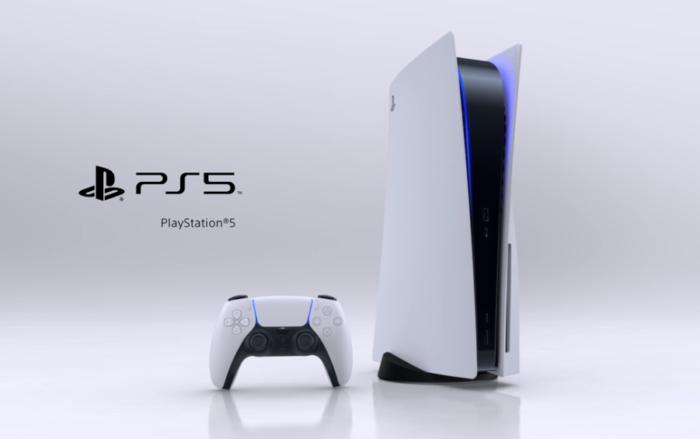 PS5 本体とコントローラー